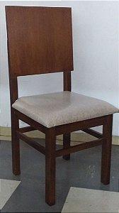 Cadeira Estofada Encosto Reto Madeira Maciça