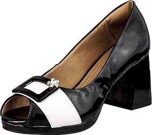 Sapato Peep Toe Salto Alto Flor Strass Verniz Preto Tira Branca