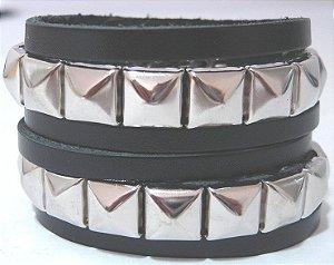 Munhequeira Pulseira Bracelete Rock Spike Piramide e Tachas Madstar