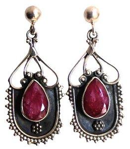 Brincos de rubis indianos