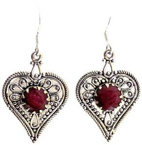 Brincos indianos coração de rubis