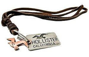 Colar Masculino de Couro Ajustável com Placa Hollister California - CC13
