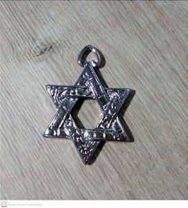 Pingente estrela de David em zinco