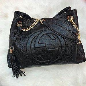 Bolsa Gucci Soho Shoulder Bag Grande Preta linha italiana 0ca54ce7dd3