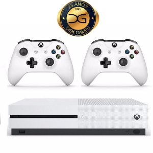 Xbox One S 500 GB com 2 controles