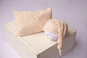Conjunto Touquinha + Travesseiro Flocado - Rosa Claro