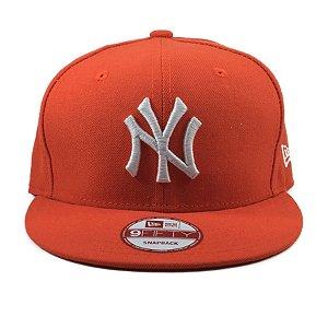 Boné New Era 9Fifty Snapback New York Yankees Laranja