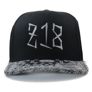 Boné Zero18 Snapback  Aba Curva Bandana Preto - Flexfit