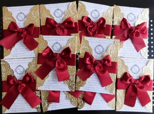 Convite de Casamento com Envelope Dourado