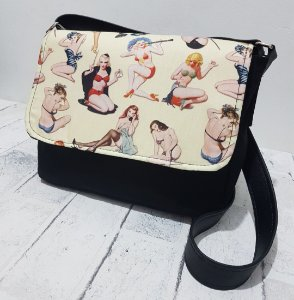 Bolsa Carteiro pin up