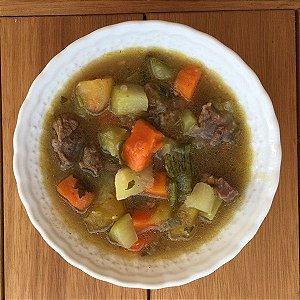 Sopa de legumes com carne