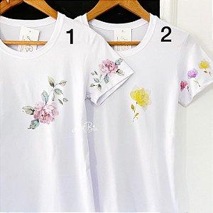 Tshirt Estampa bolso e mangas