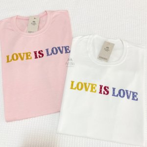 Tshirt Love is Love
