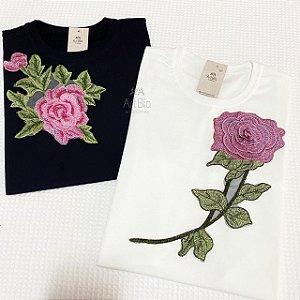 Tshirt Rosas Renda