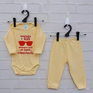 Conjunto Suedine Frases Mamãe e Papai Capricham Amarelo