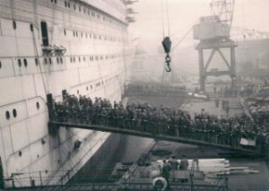 Cartão R.M.S Queen Mary, Clydebank, Scotland, 1934