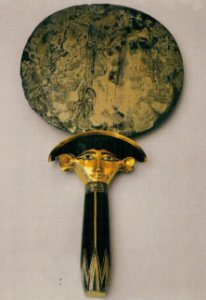 Cartão Mirror of Sat-Hathor-Yunet with handle in the form of a bundle of papyri