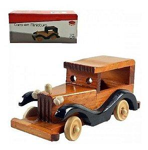 Carro Retrô Miniatura em Madeira
