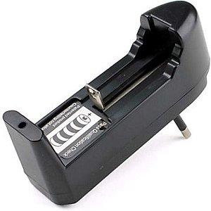 Carregador Bivolt para Baterias 14500 18350 18650 Li Ion