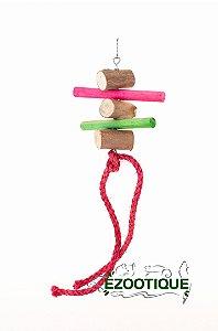 Brinquedo pêndulo de madeira e sisal colorido