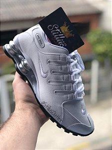 Tênis Nike Shox - Branco/Prata