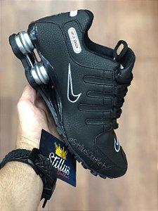 Tênis Nike Shox - Preto/Prata
