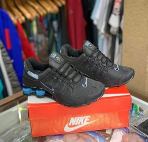 Tênis Nike Shox - Preto/azul