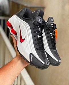 Tênis Nike Shox R4 - Prata/Vermelho