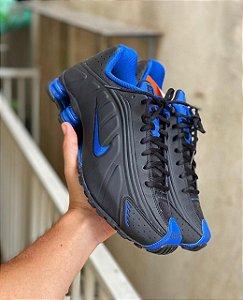 Tênis Nike Shox R4 - Preto/Azul