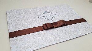 Convite casamento simples branco marrom