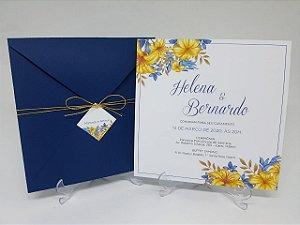 Convite casamento envelope azul e floral amarelo