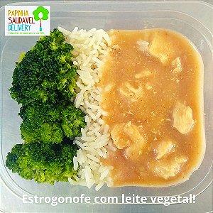 Estrogonofe de Frango (leite vegetal)