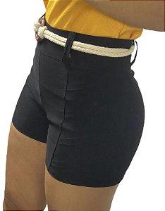 Short linho com detalhe lateral e cinto