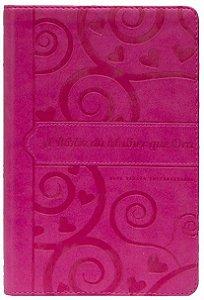 A Bíblia da mulher que ora - NVI (pink coração)