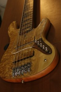 SUPER JAZZ BASS GARCIA'S TM2 -  6 CORDAS
