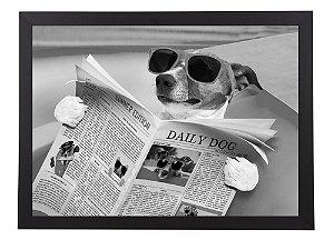 Quadro cachorro com jornal e óculos