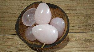 ATACADO: Yoni Ovo Quartzo Rosa COM FURO para Pompoarismo 10 UNIDADES - 3,5 a 4,5 Centímetros - SOB ENCOMENDA - PADRONIZADO