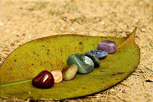 ATACADO - 10 Kits contendo Pedras Tamanho Médio nas cores dos Chakras