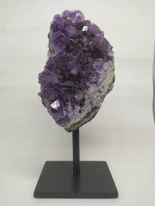 Ametista na Base - Pedra Bruta