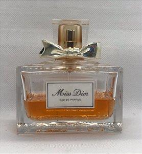 Dior Miss Dior Eau de Parfum - S/ CAIXA - Com 40 ml