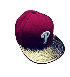 USADO: Boné  New Era Philadelphia Phillies 7 1/8 metalizado - Vermelho