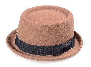 Chapéu Pork Pie Caramelo 100% Lã Aba Curva 4cm Faixa Laço Premium Hats