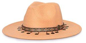 Chapéu Fedora Bege Aba 8cm Faixa Incas Medalhas