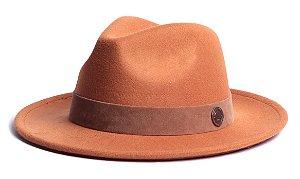 Chapéu Fedora Laranja Aba Média 6,5cm Feltro Faixa Nobuck Marrom