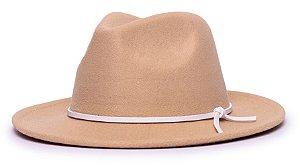 Chapéu Fedora Bege Aba Média 6,5cm Feltro Coleção Couro V Branco Edição Limitada