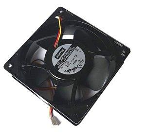 Cooler Berflo 24V 120X120X38 Rolamento Amp.: 0.40 RPM: 3200 - 3 FIOS C/ CONECTOR CFM 120,11 Dba 48 - AD1224UB-F52 (T) 4464