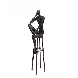 Escultura Homem no banco G
