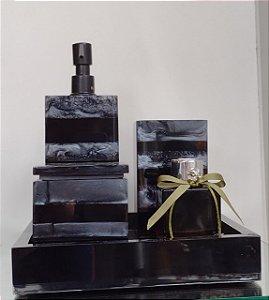 Conjunto de Potes Listrado 04 peças em Resina com bomba preta e difusor para Banheiro