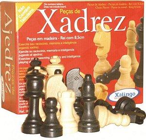 Peças de xadrez em madeira