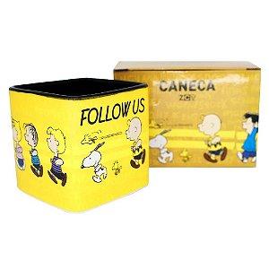 Caneca Cubo Snoopy Follow Us De Cerâmica 300ML Zona Criativa